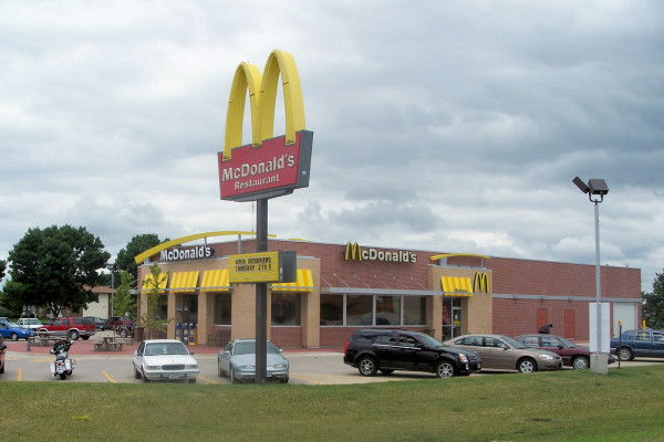 A Worker of McDonalds in Alabama Fired for Not Serving Police Officers
